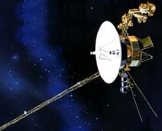Cosmic Tsunami meets Voyager 1